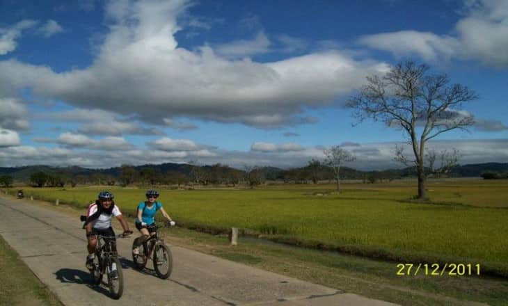 10 DAYS CYCLING TO HUE
