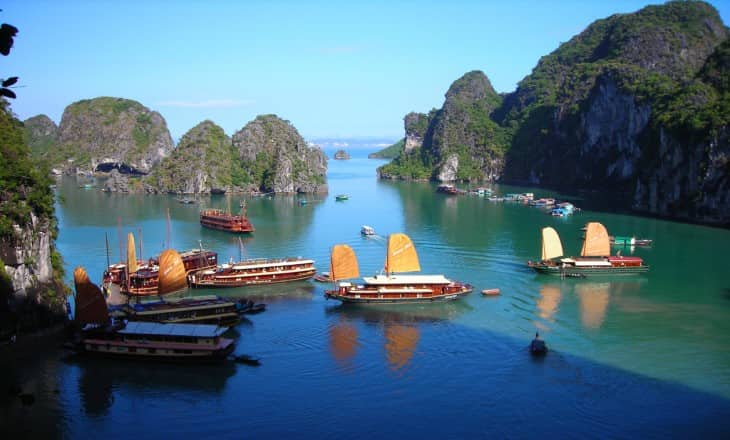 Ha Noi - Ha Long Bay tours in 5 days